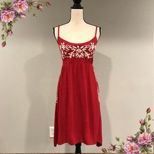 Gorgeous embroidered midi dress with straps.